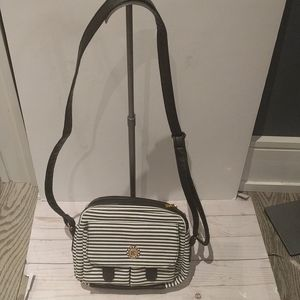 Beautiful  canvas black and white striped bag🌼